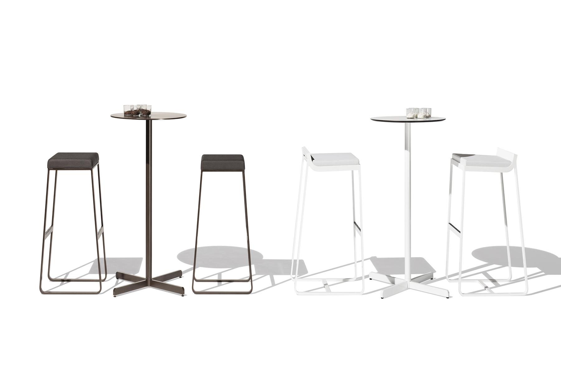 Sit taburetes altos/mesas